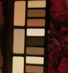 Never used Kat von D shade of light